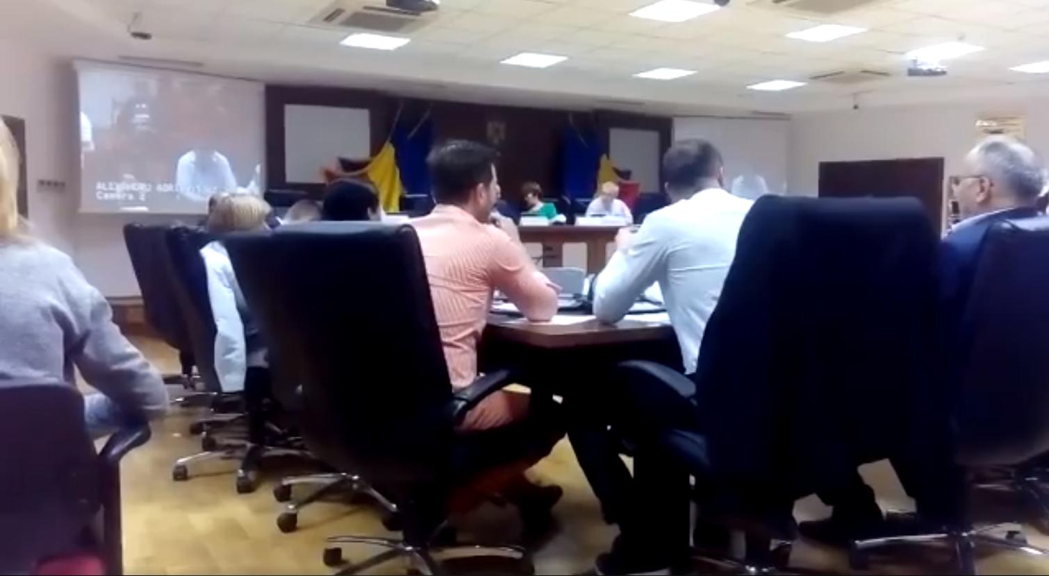 Ședința Consiliului Local Sector 2. Viceprimar nu este nevoie să se citească proiectele, ci să fie primite
