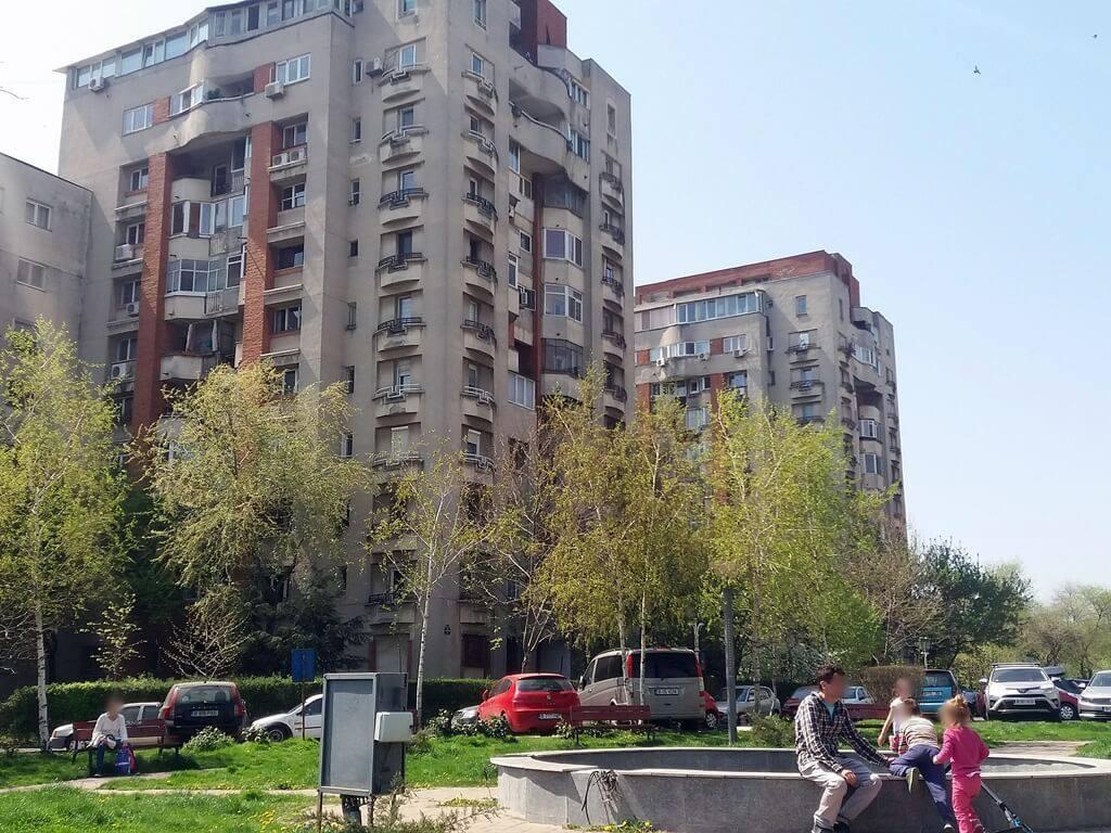 Pericol Public - Fântână din părculețul de pe stradă Costache Stamate din Sectorul 4