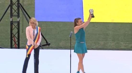 Presa internaţională, cu ochii pe ceremonia de la Arena Naţională Aplauze pentru Simona, huiduieli pentru primarul Bucureștiului