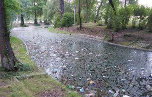 Parcul Tineretului- lăsat în paragină de Firea