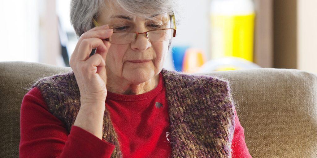 Stimulente pentru persoanele vârstnice, cu venituri mici, care au nevoie de ochelari