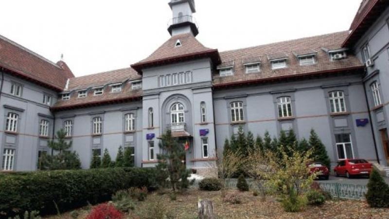 O femeie a murit de foame în curtea unui spital aflat în subordinea lui Gabriela Firea