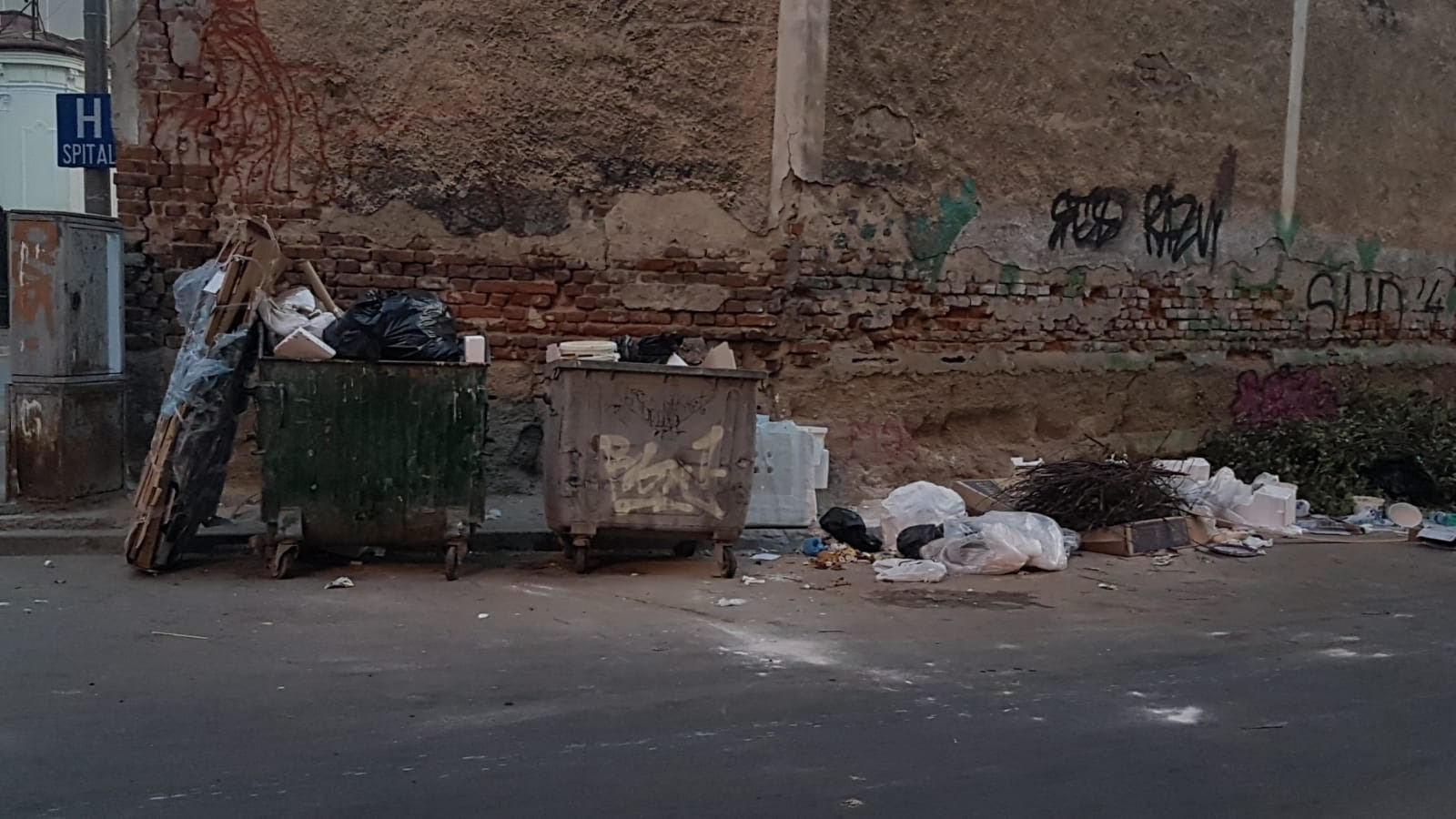 Sectorul 3 al Capitalei, condus de edilul Robert Negoitã, este sub asaltul gunoaielor.