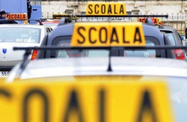 Instructorii școlilor de șoferi nu vor mai putea circula cu elevii într-un perimetru bine delimitat din Sectorul 1
