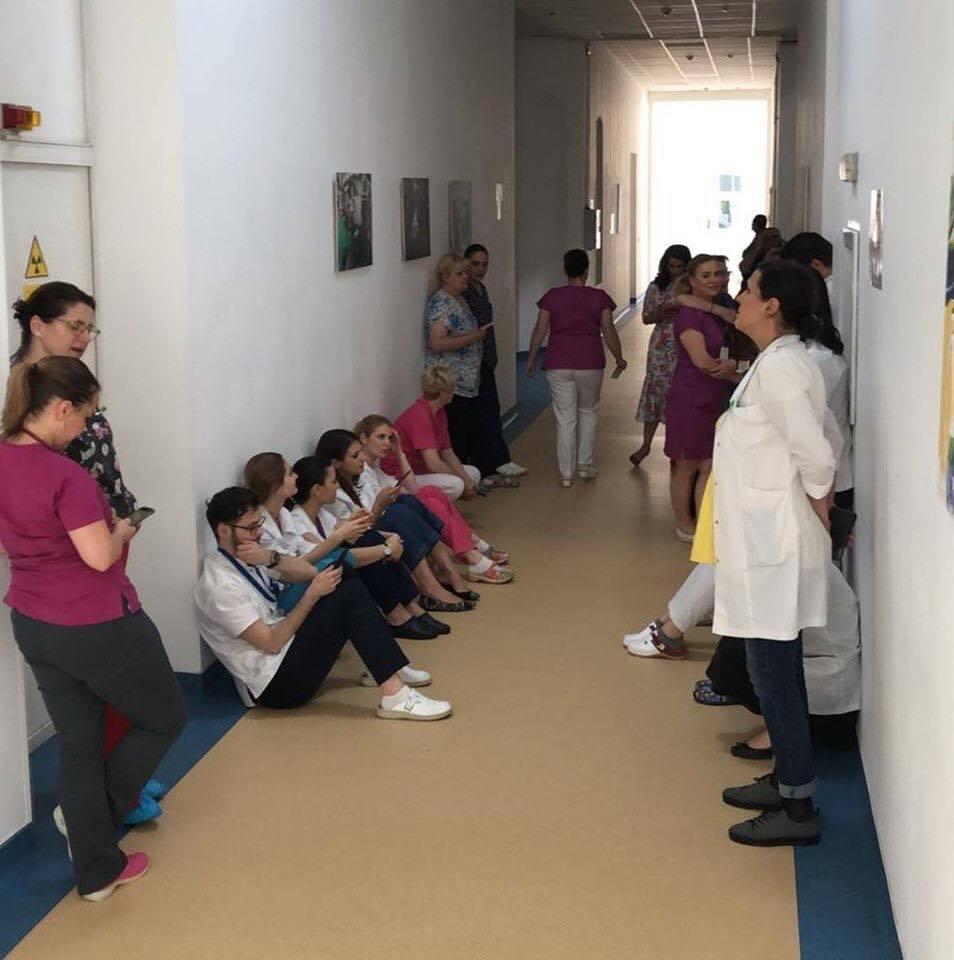 Medicii o acuză pe Firea de gestionarea defectuoasă a spitalelor municipaleMedicii o acuză pe Firea de gestionarea defectuoasă a spitalelor municipale