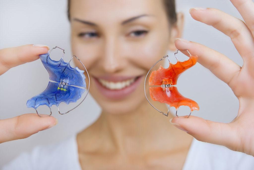 Primăria dă bani pentru aparate ortodontice mobile